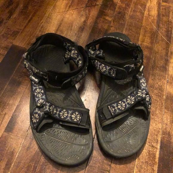 Teva Shoes   6504 Black Strappy Sandals